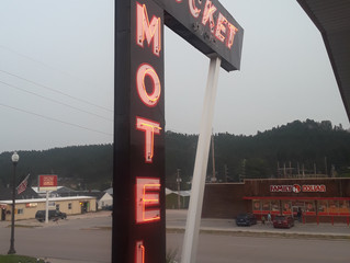 A custom-crafted motorcar honeymoon with vintage/retro hotels/motels as destinations?