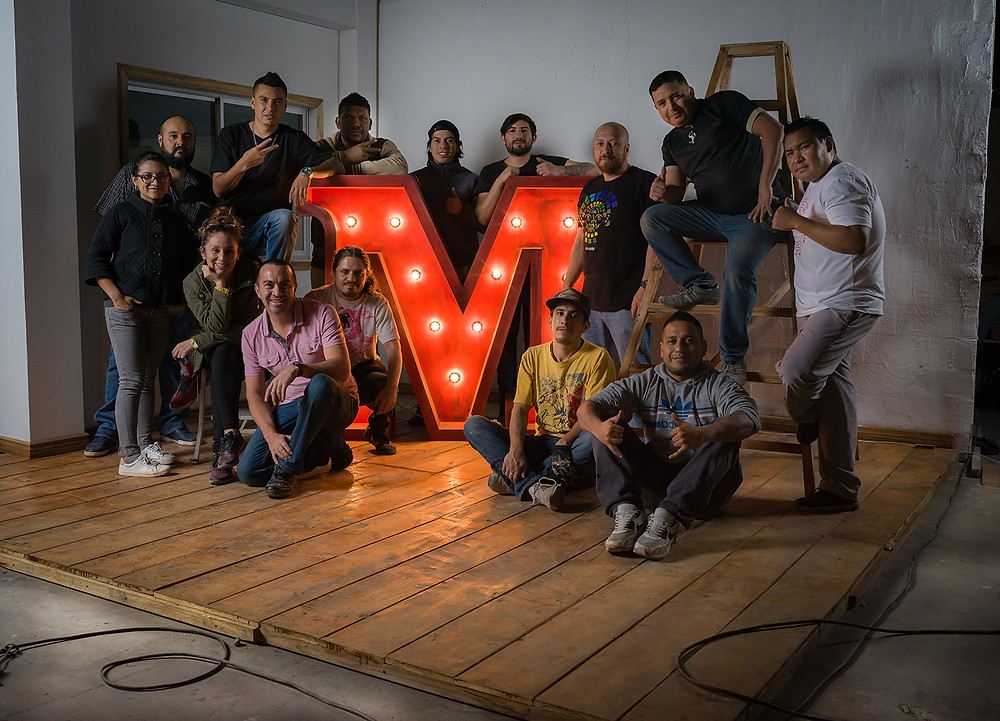 Gran equipo para la producción de navidad de Supermaxi