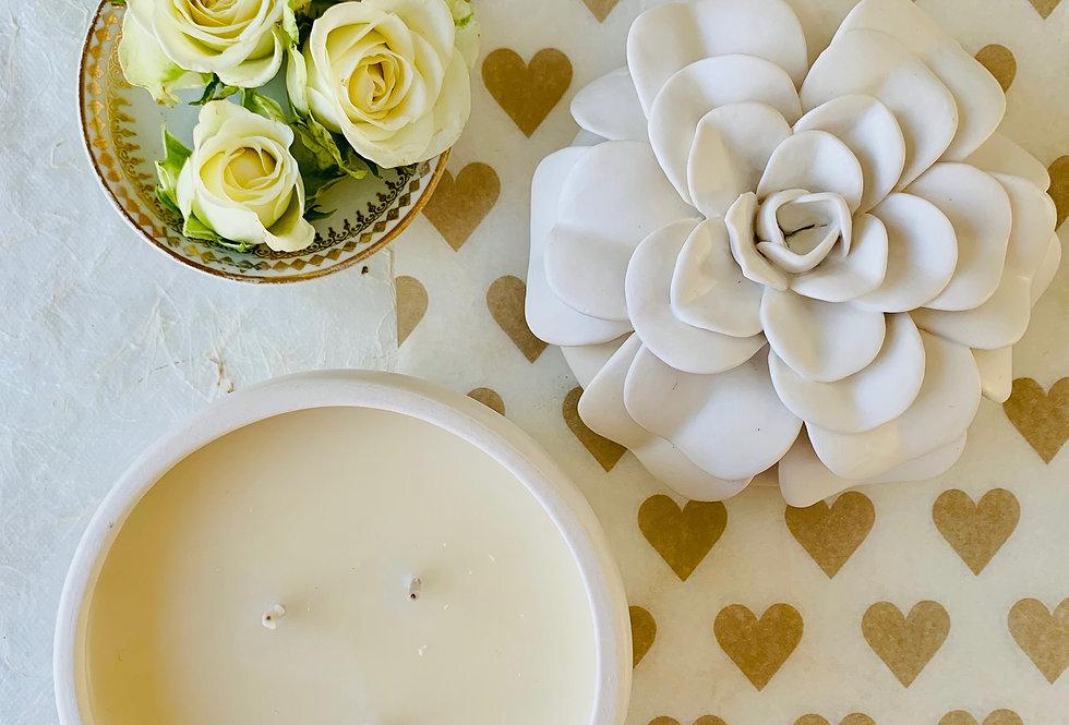 Illume Gardenia Ceramic Flower Candle