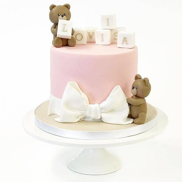 Pink teddy name cake for Loviisa