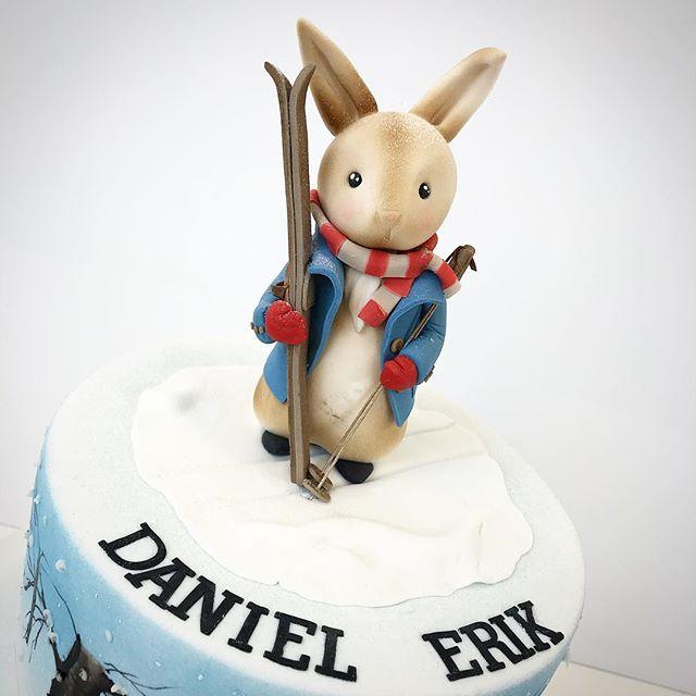 This time Peter Rabbit 🐰 is having a little cross country skiing trip. Petteri Kaniini on tällä ker