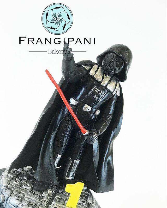 The force is strong Darth Vader cake topper 🌑Star wars kakkukoriste