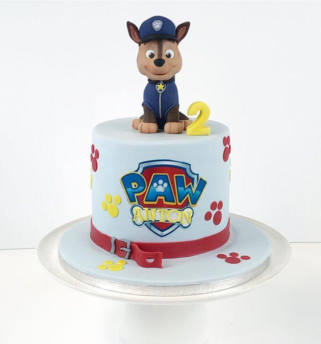 Antons favourite paw patrol character Chase on his birthday cake 🍰 #juhlakakku #frangipanibakery #k