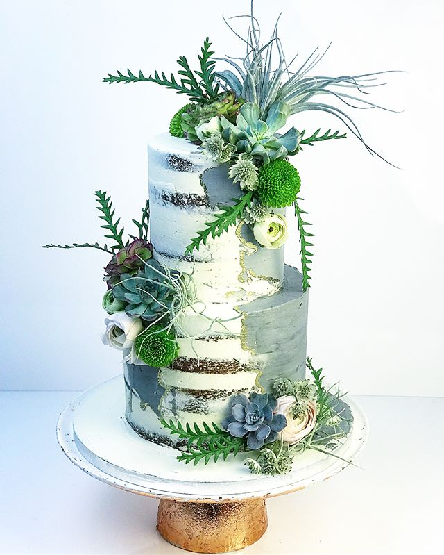 Concrete naked cake for a _kaikoclothing