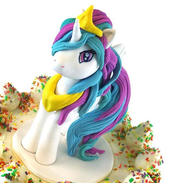 Princess Celestia pony 🌈#pony #cake #decoration #frangipanibakery #sugar #fondant #sokerimassa #pri