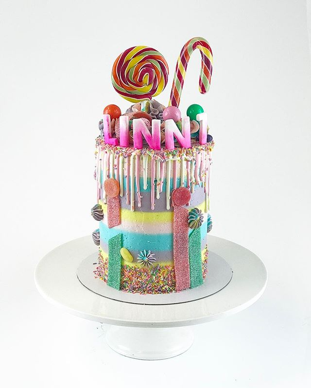 Sweet for Linn colourful drip cake 🍭 inside lovely luxuries chocolate cake and delish nutella butte