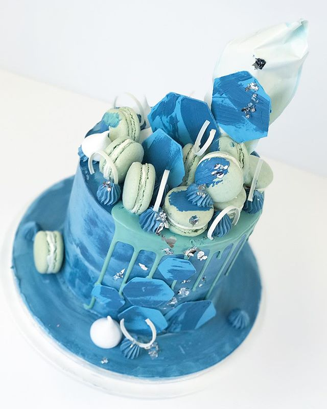 Drip cake with blues and greens