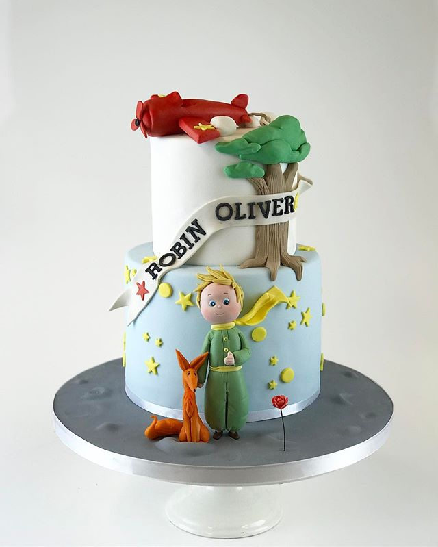 Le petit prince 🌖 for twins Olivier and Robin.jpg Filled with raspberry and vanilla- Le petit princ