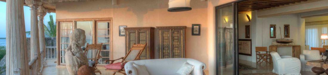 8-royal-suite-veranda-detail-majlis-hote