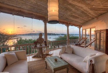 9-royal-suite-veranda-majlis-hotel-lamu.