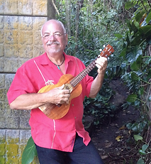 Ron play Ukulele on Maui