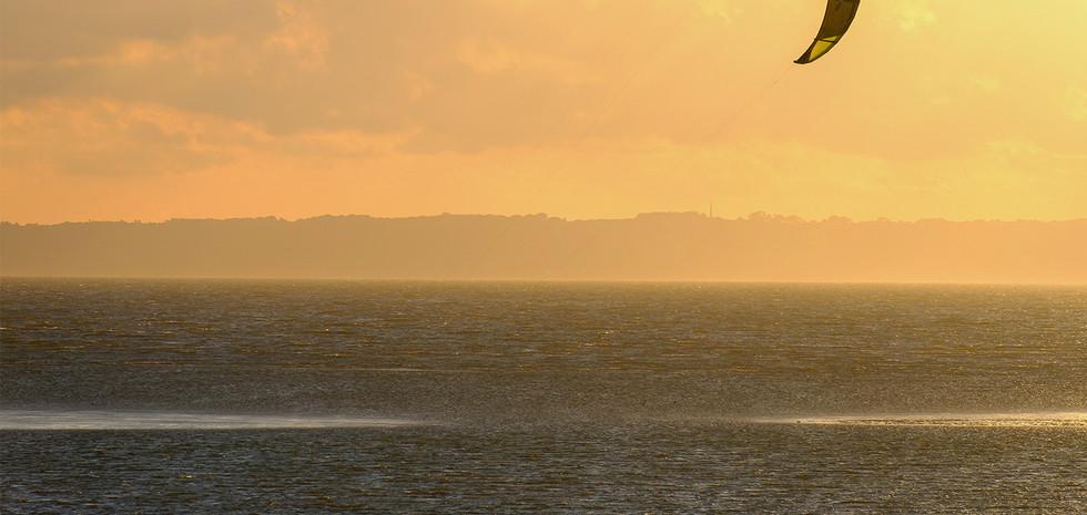 evening kite surfing24.jpg