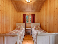 ChaletsOasis_Bear19_Second_Bedroom