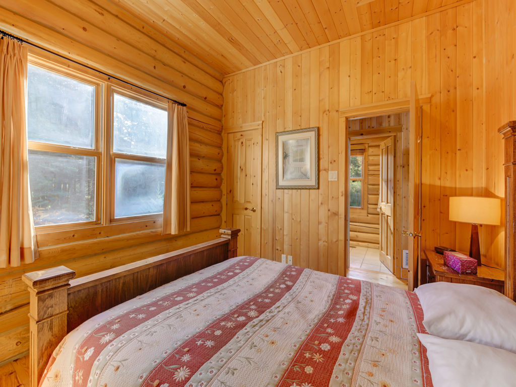ChaletsOasis_Deer6_Second_Bedroom_1