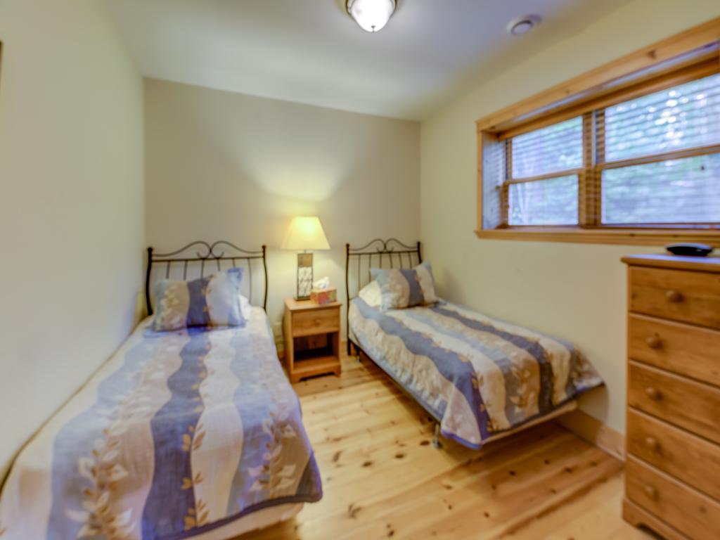 ChaletsOasis_Deer49_Third_Bedroom