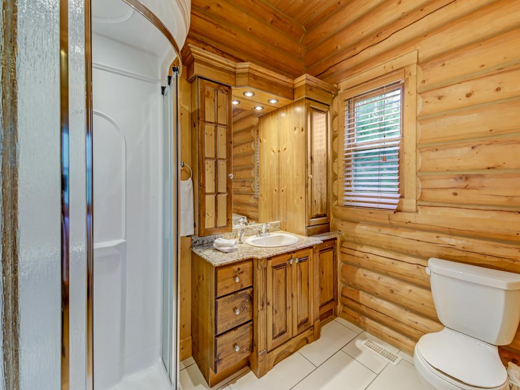 ChaletsOasis_Deer49_Master_Bathroom