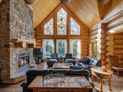 ChaletsOasis_LakehomeMoose33_Living_Room