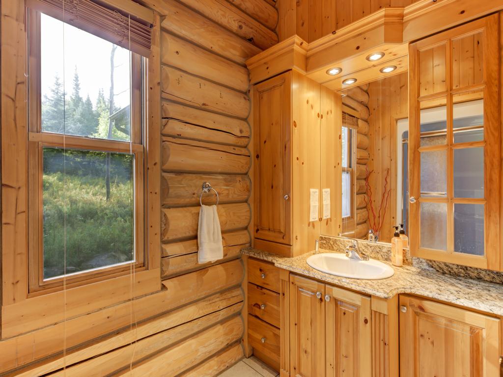 ChaletsOasis_Deer6_Guest_Bathroom_1