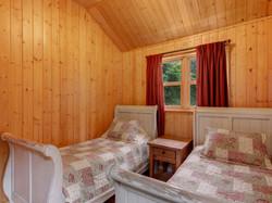 ChaletsOasis_Bear19_Second_Bedroom_1