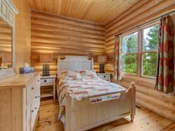 ChaletsOasis_Deer49_Second_Bedroom