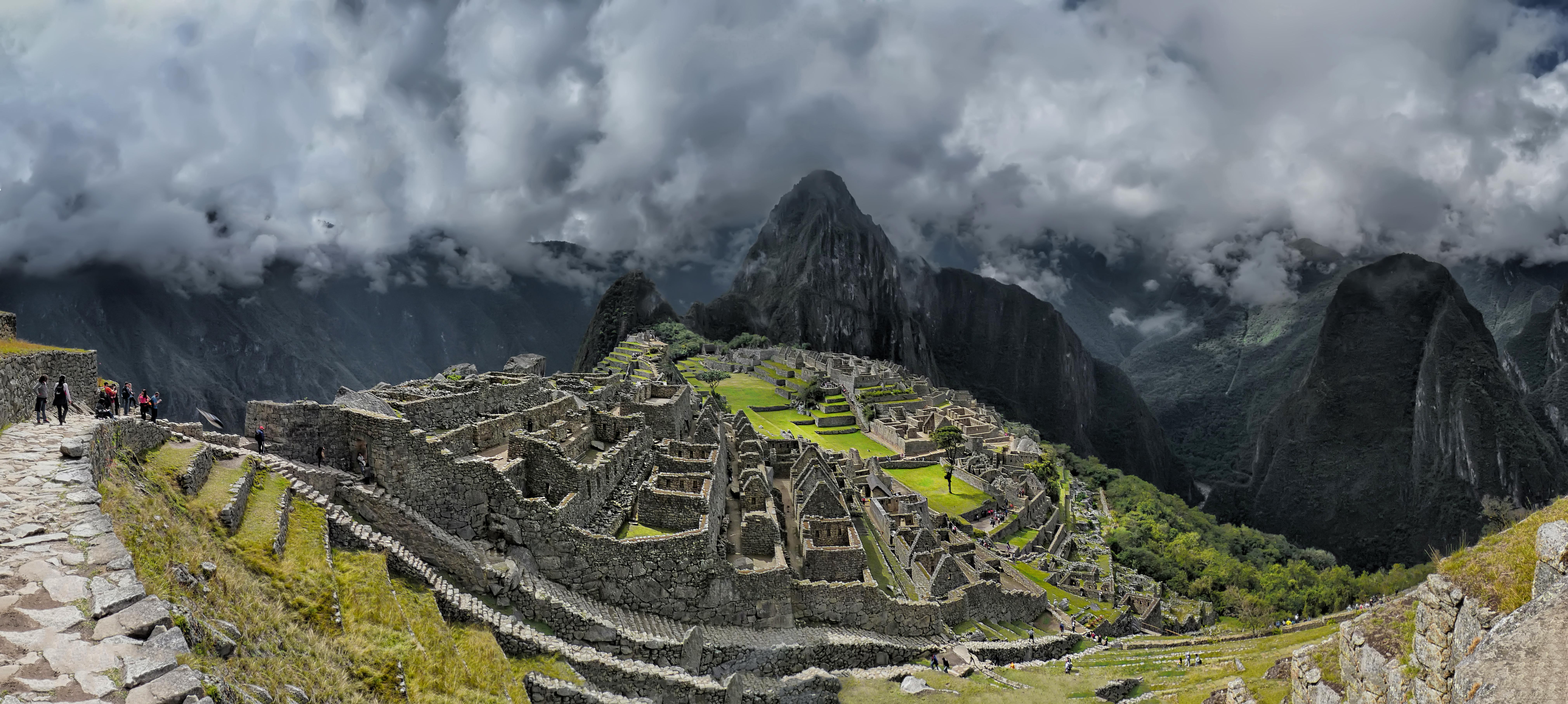 P1150143_Pano4_-_Machu_Picchu.jpg