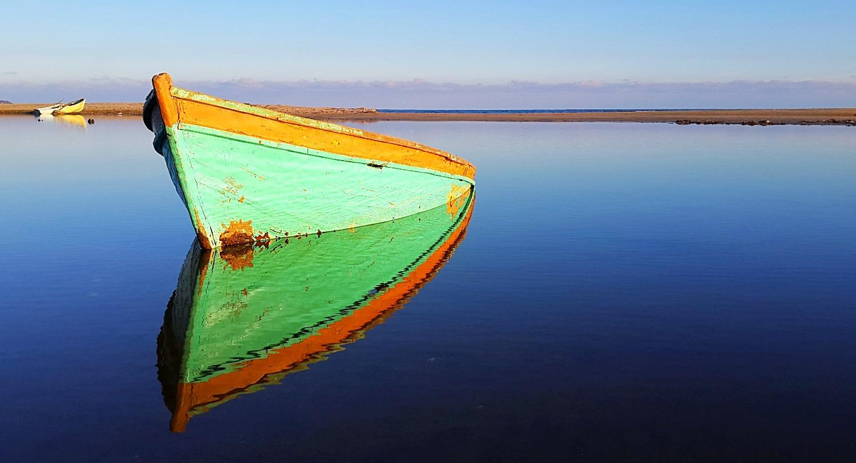 Mert Gölünde Batık Bir Tekne