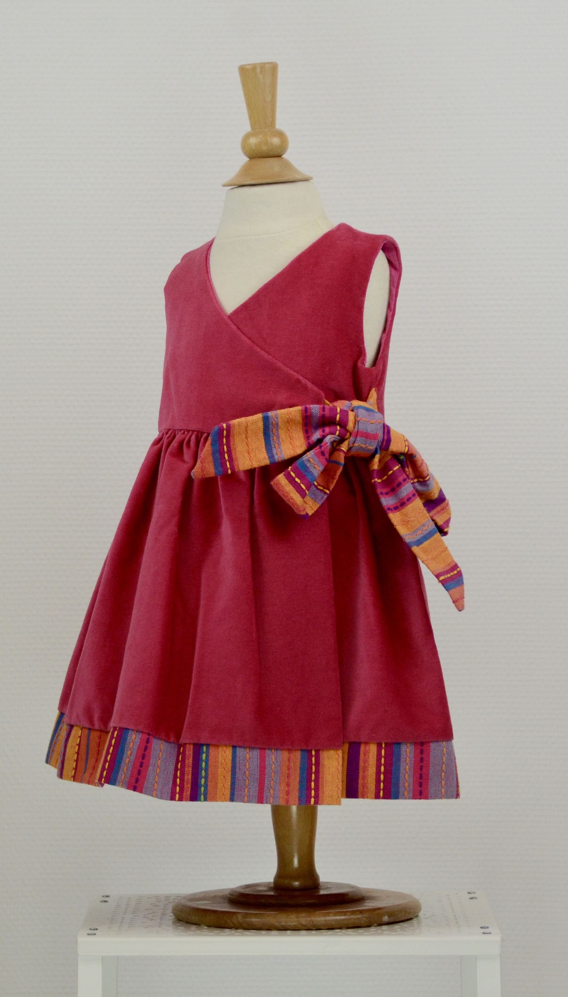 Robe fuschia en velour