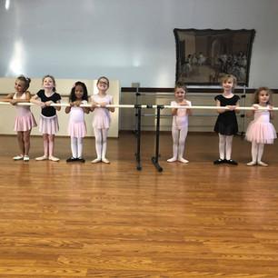 4-6 Beginner Ballet Students