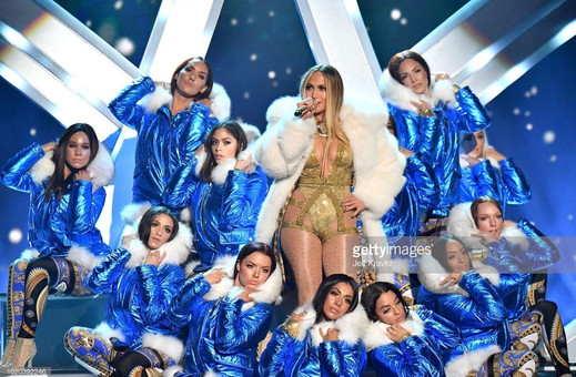 Miss Tara performing with Jennifer Lopez