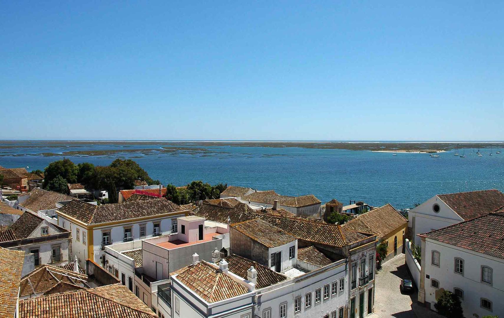 faro cidade velha portas do mar.jpg