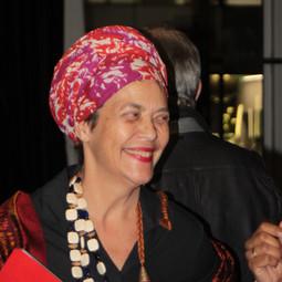 Françoise Vergès, égérie du décolonialisme, accuséepar ses fans de ne pas être assez noire !
