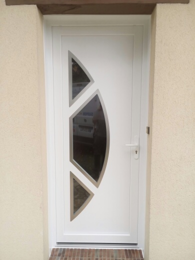Porte PVC avec vitrage Sécurit