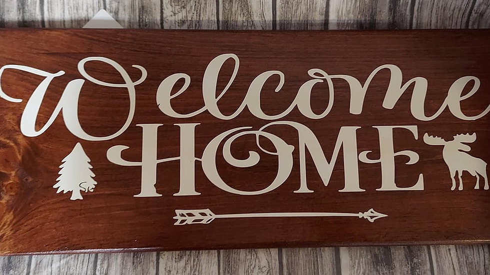 Welcome Home Sign With Moose and Tree
