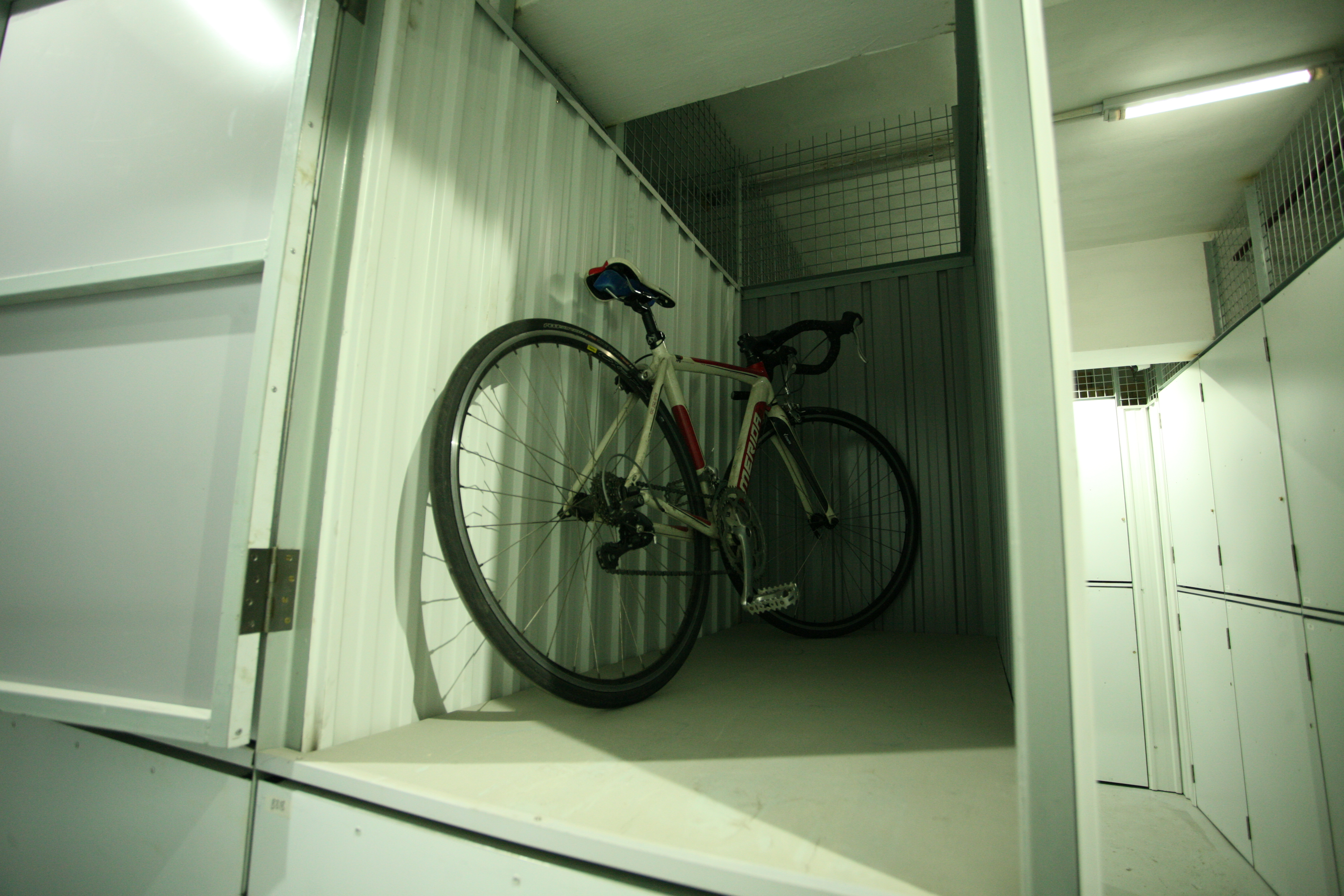 上層儲物櫃