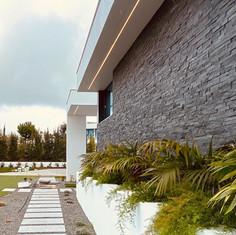 Villa LJP