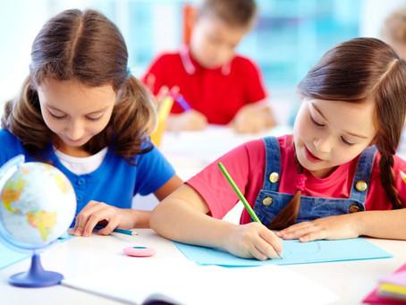 Como a amizade na escola pode influenciar no desempenho do aluno?