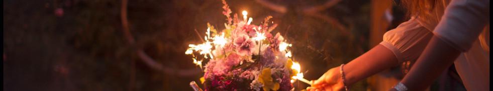 Květiny a svíčky