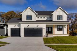 New Modern Farmhouse White in West Des M