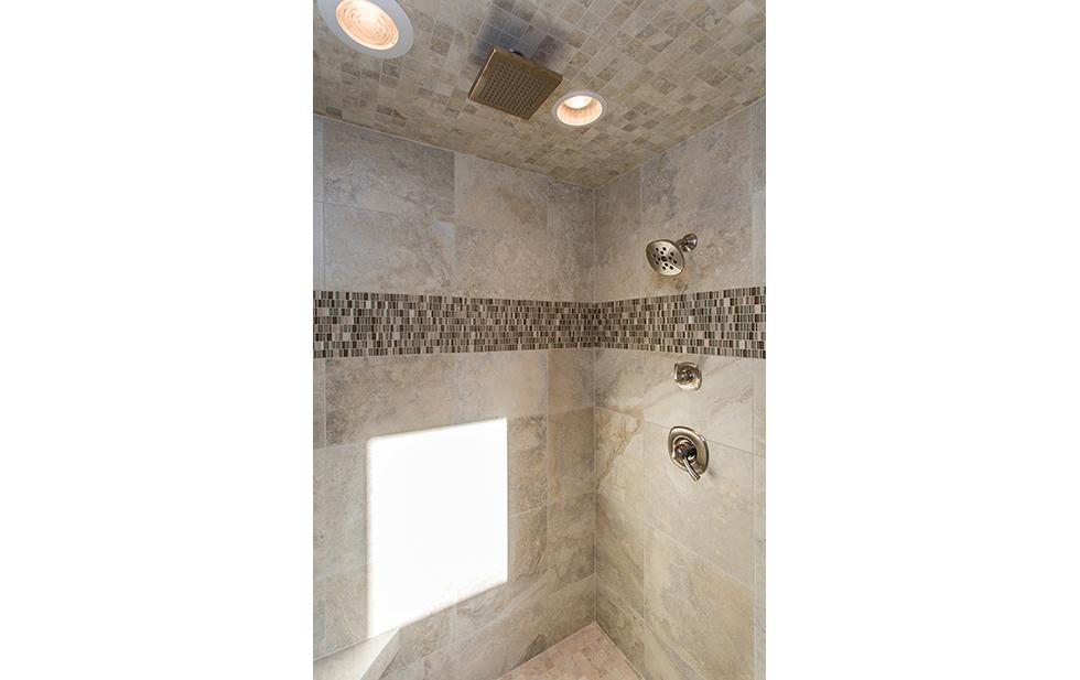 26 Hampton Master shower