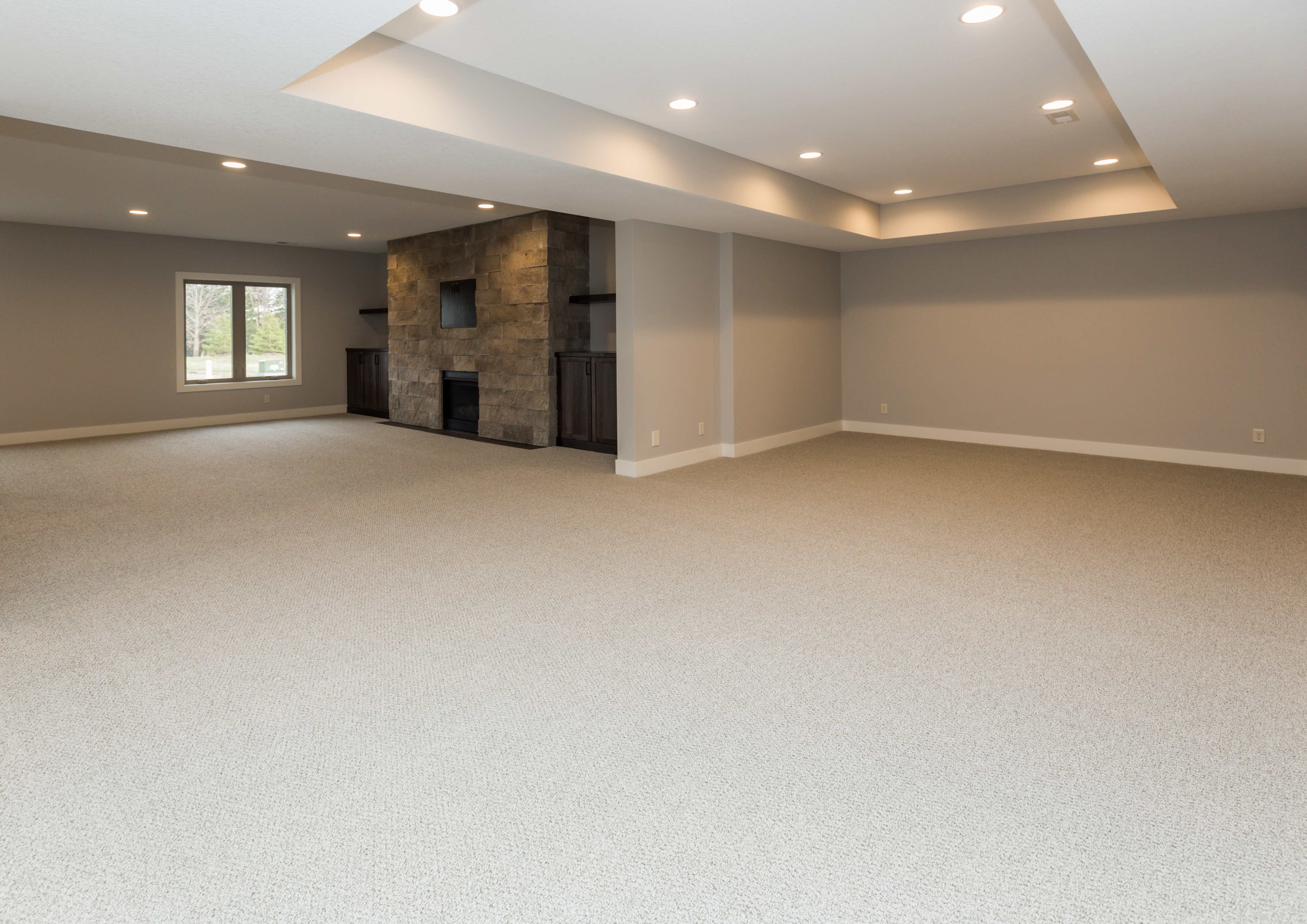 Large Finished Basement in Des Moine