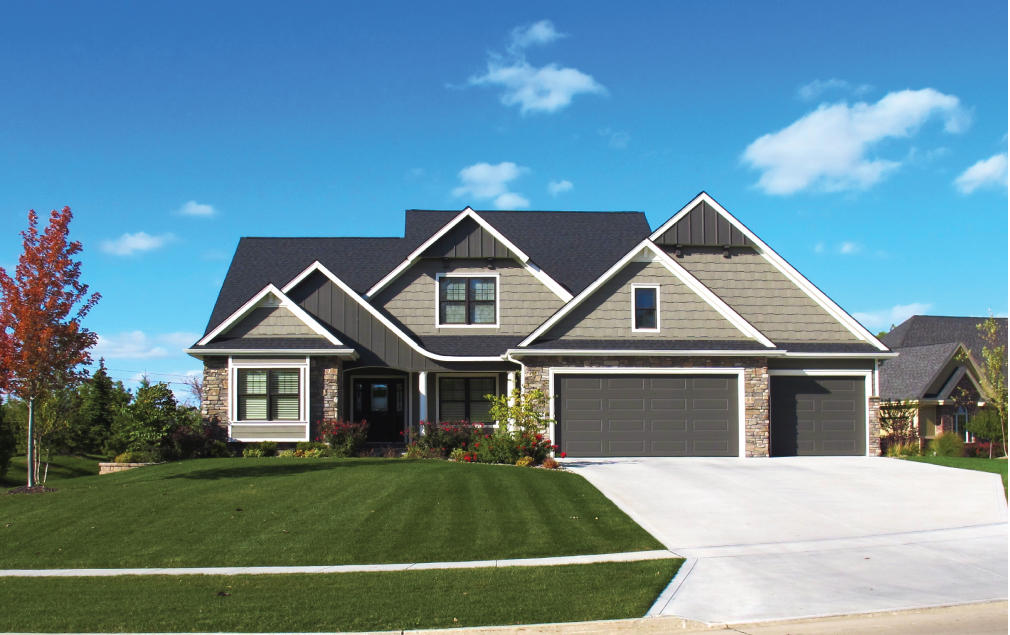 1.5 Story Custom Home in Des Moines