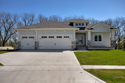Cape Cod Style Ranch Home in West Des Mo