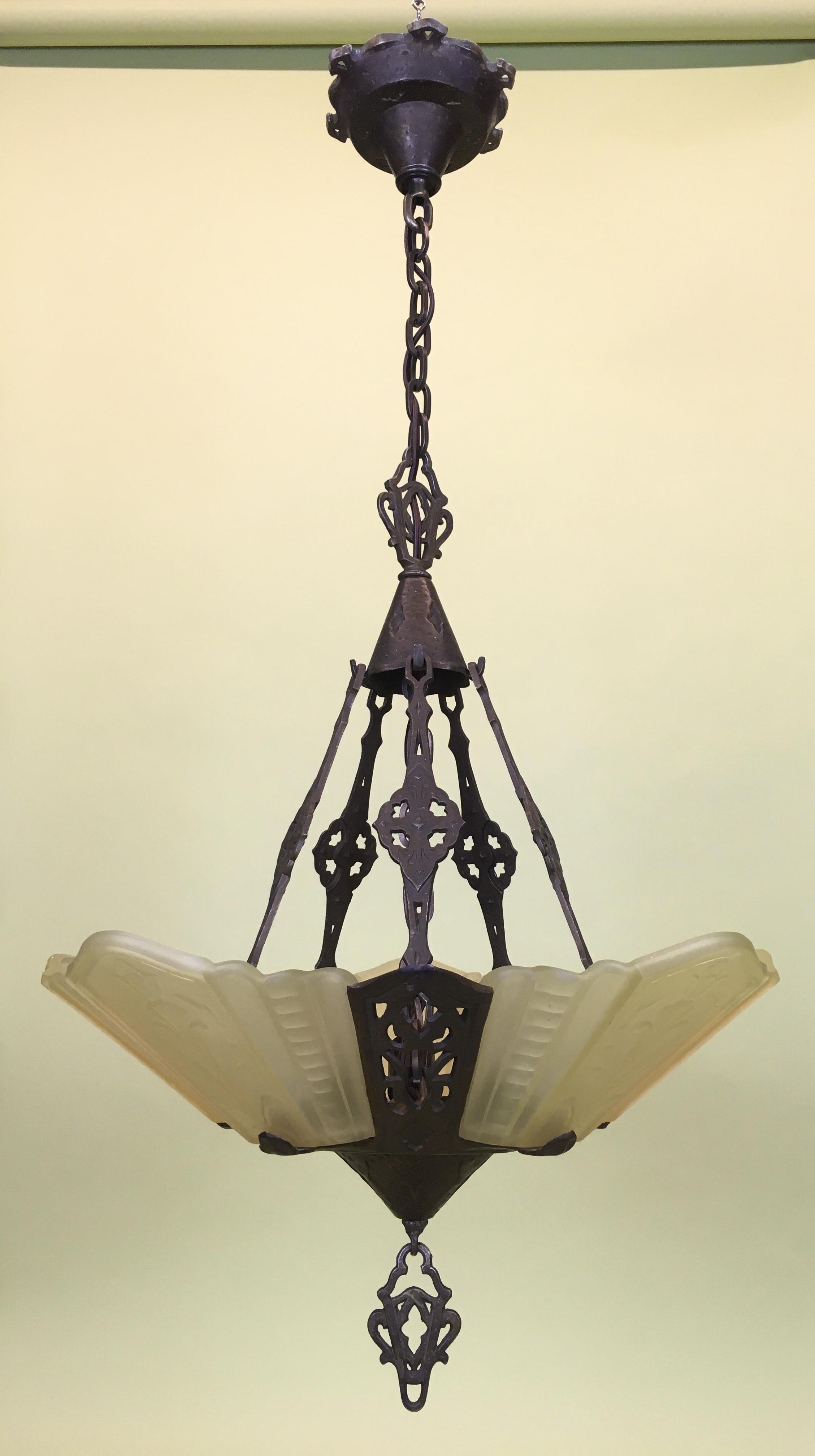 Deco Hanging Fixture