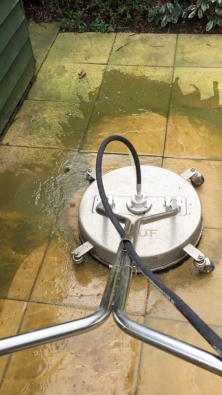 Flat surface cleaner pressure washing patio