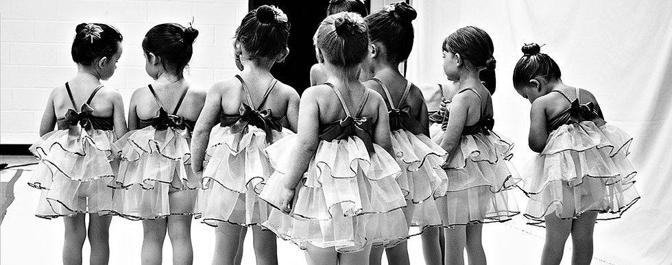 dancers-backs.jpg