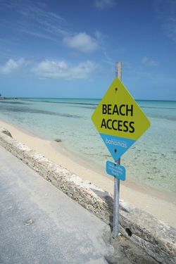 Beach access Tarpum Bay