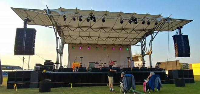 32' X 24' Mobile stage for rent