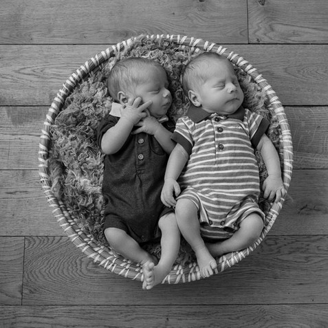 baby-twins-studio-newborn