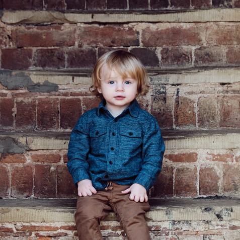 Elliot-toddler-outside-portrait