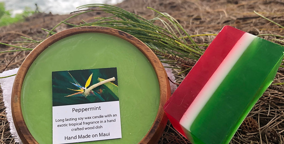 Peppermint Soy Wax Candle in a Monkeypod Wood Bowl.  Green in Color, Smells Like Minty, Wintery, Goodness!